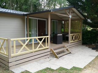 Lovely Chalet with Ping Pong Table and Refrigerator in Gondrin - Gondrin vacation rentals