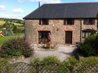 Holiday cottage near Totnes with swimming pool - Totnes vacation rentals