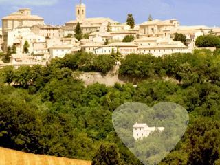 b&b San Paterniano - Romantic room - Cingoli vacation rentals