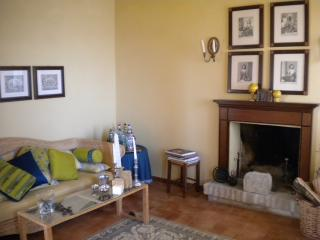 Cozy 2 bedroom Moresco House with Washing Machine - Moresco vacation rentals