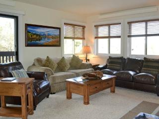 2 bedroom Condo with Deck in Teton Village - Teton Village vacation rentals