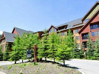 Beautiful 2 bedroom Keystone Apartment with Deck - Keystone vacation rentals