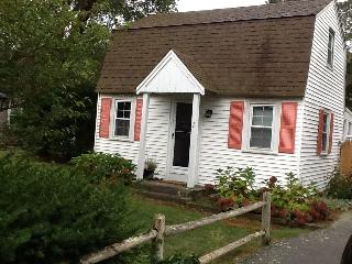 West Yarmouth Cottage - Cute for couples - West Yarmouth vacation rentals