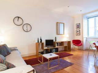 Cosy in Principe Real Apartment | RentExperience - Lisbon vacation rentals