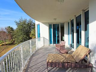 Palms Resort #2216 Full 2 Bedroom - 15% OFF Stays Prior to 5/15!  2nd Floor -Destin's Largest Lagoon - Destin vacation rentals