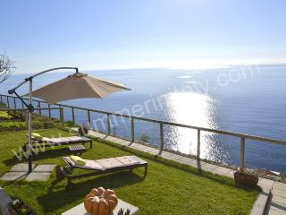 Bright 1 bedroom House in Praiano with A/C - Praiano vacation rentals
