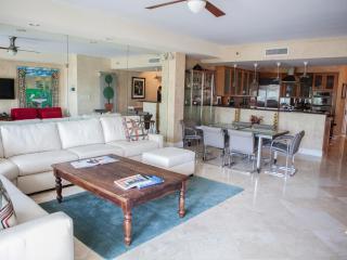 Elegant 2 Bedroom Oceanfront Villa w/ Den in Fisher Island - Miami vacation rentals