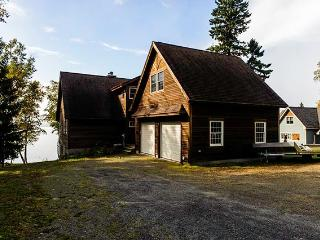 5 bedroom House with Deck in Rangeley - Rangeley vacation rentals