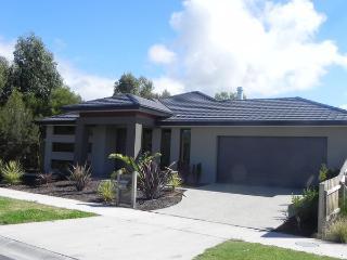 ELYSIUM (WIFI & FOXTEL INCLUDED) - Victoria vacation rentals