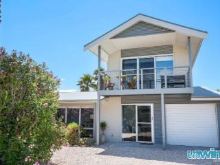 Bright 4 bedroom Cottage in Goolwa - Goolwa vacation rentals