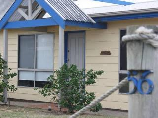 'Sea Breeze' - Pet Friendly - Middleton - Middleton vacation rentals