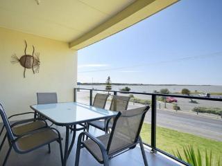 SA Holiday House: 'Amble Inn' - Goolwa River Front - Goolwa vacation rentals