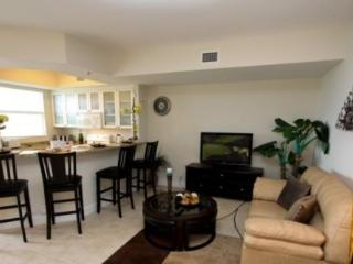 Waterfront 3 Bedroom 3 Bath Townhome with Views From 4 Covered Balconies. 521LH - Orlando vacation rentals