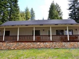 Mountain Views in Lake Almanor West - Lake Almanor vacation rentals