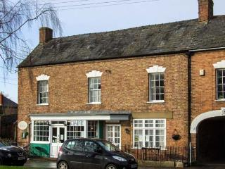 WARDS COURT 1, romantic, character holiday cottage, with a garden in Frampton On Severn, Ref 4060 - Frampton on Severn vacation rentals