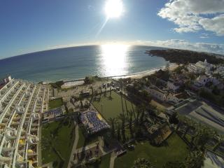 ONE BEDROOM APARTMENT DELUXE, WITH POOL OR SEA VIEW, 200 M FROM THE BEACH, IN 3 STAR RESORT WITH POOLS AND RESTAURANT – ALBUFEIR - Albufeira vacation rentals