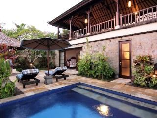 Perfect 3 bedroom Tanah Lot Villa with Television - Tanah Lot vacation rentals