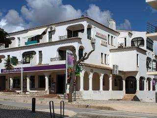 Edificio Isamar - T1_C1 - Av. Sá Carneiro - Areias de S. João - Albufeira - Albufeira vacation rentals