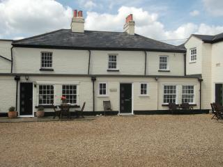 Beautiful 5 bedroom Saint Neots House with Internet Access - Saint Neots vacation rentals