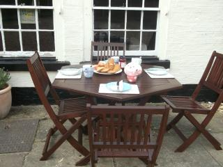 Lovely House with Internet Access and Dishwasher - Saint Neots vacation rentals