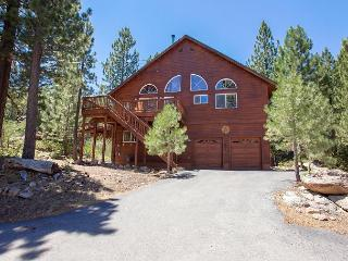 Hillside - Light, Bright & So Spacious, Great for 4 Couples.  Hot Tub Too!! - Truckee vacation rentals