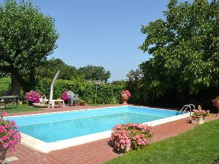 Perfect 2 bedroom Montecchio Villa with Internet Access - Montecchio vacation rentals