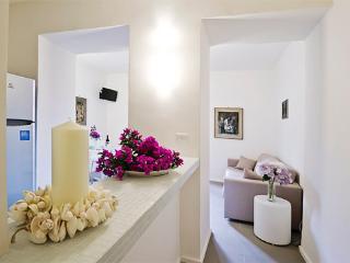 Romantic 1 bedroom Santa Maria di Castellabate Condo with Internet Access - Santa Maria di Castellabate vacation rentals
