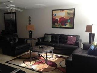 2 Bedroom First Floor with Great Golf Course Views and New Tile Floor! - Tucson vacation rentals