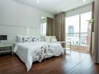 Modern & Boutique Room in Central BKK - Bangkok vacation rentals