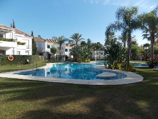 FANTASTIC APARTMENT NEAR PUERTO BANUS - Puerto José Banús vacation rentals