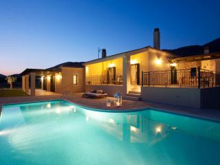 Charming 2 bedroom Villa in Karavados with Internet Access - Karavados vacation rentals