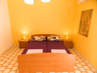 MD Apartments - Apartment for 4 people - Novalja vacation rentals