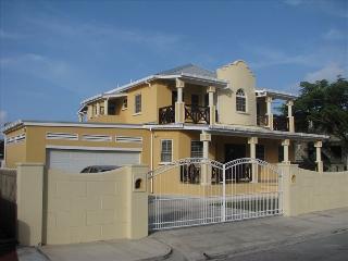 Luxurious South Coast Villa! Barbados W.I. - Maxwell vacation rentals