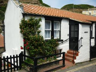Longhouse ,luxury cottage perfect for 2 or 4 - Staithes vacation rentals