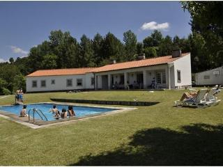 Bright 3 bedroom House in Marco de Canavezes with Dishwasher - Marco de Canavezes vacation rentals