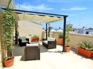 Penthouse - central apartment with terrace - Polignano a Mare vacation rentals