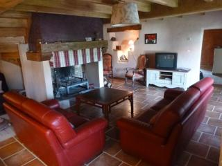 Nice House with Balcony and Central Heating - Cornus vacation rentals