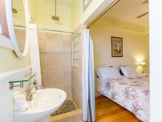 # Room with King Bed and AC - Paia vacation rentals