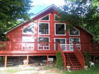 Greenfield Cottage - F335 Nestled by Green River - Huntsville vacation rentals