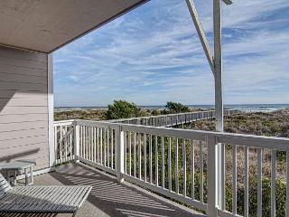Wrightsville Dunes 1A-G - Oceanfront condo with community pool, tennis, beach - Wrightsville Beach vacation rentals