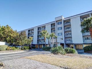 DR 2306 -  Oceanfront condo convenient to pool, tennis court and beach access - Topsail Beach vacation rentals