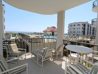 DR 3104 -  Extra-large oceanfront condo with easy beach access, pool & tennis - Wrightsville Beach vacation rentals