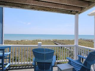 Reefs V D2 -  Oceanfront condo, open floor plan, community pool & beach access - Carolina Beach vacation rentals