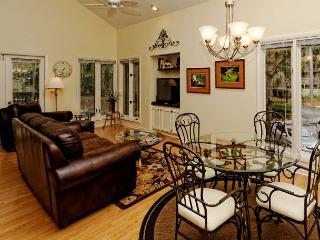 Recently Redecorated 1BR+Loft/2BA Pet Friendly Villa is the Perfect Getaway - Hilton Head vacation rentals