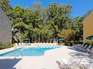This Attractive 2BR/2BA Villa Offers an Extended Oversized Balcony - Hilton Head vacation rentals