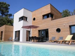 VILLA ARCHITECTE au calme avec piscine chauffée - Le Vigan vacation rentals