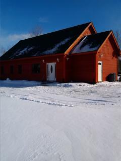 JAY PEAKS COZY CAPE 3bdroom house 13min. from jay - Jay vacation rentals