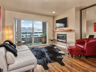 Lake Union - 2 Bdrm Furnished Condo - Seattle vacation rentals