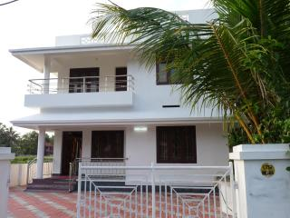 lighthome stay fully furnished 5a/c bed room house - Trichur vacation rentals