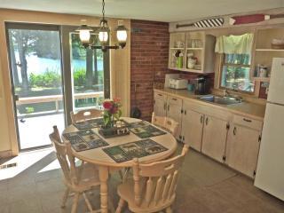 2 bedroom Cottage with Deck in Franklin - Franklin vacation rentals
